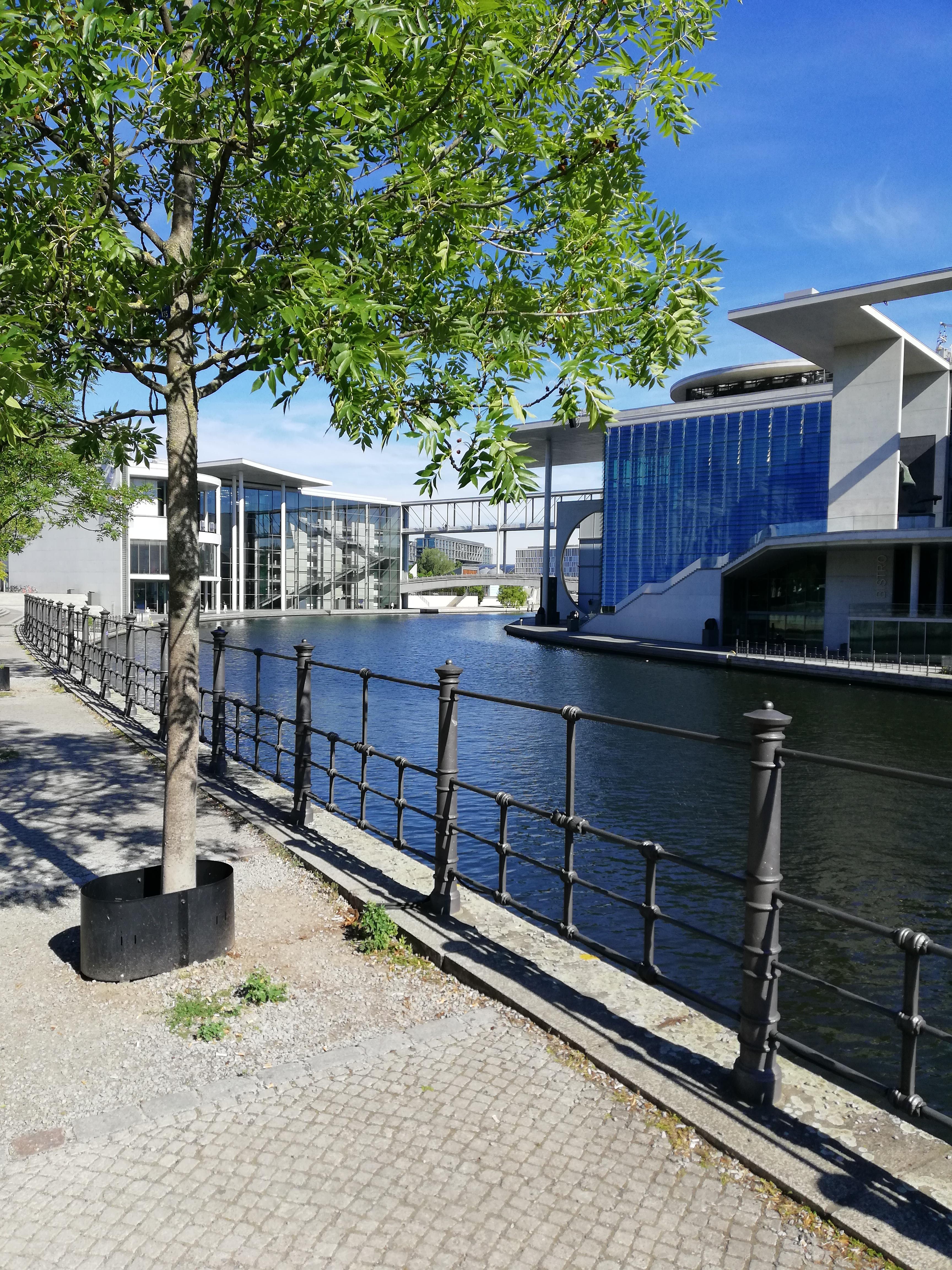 Laufen in Berlin - Große Tiergartenrunde 2018 - Spree Ufer