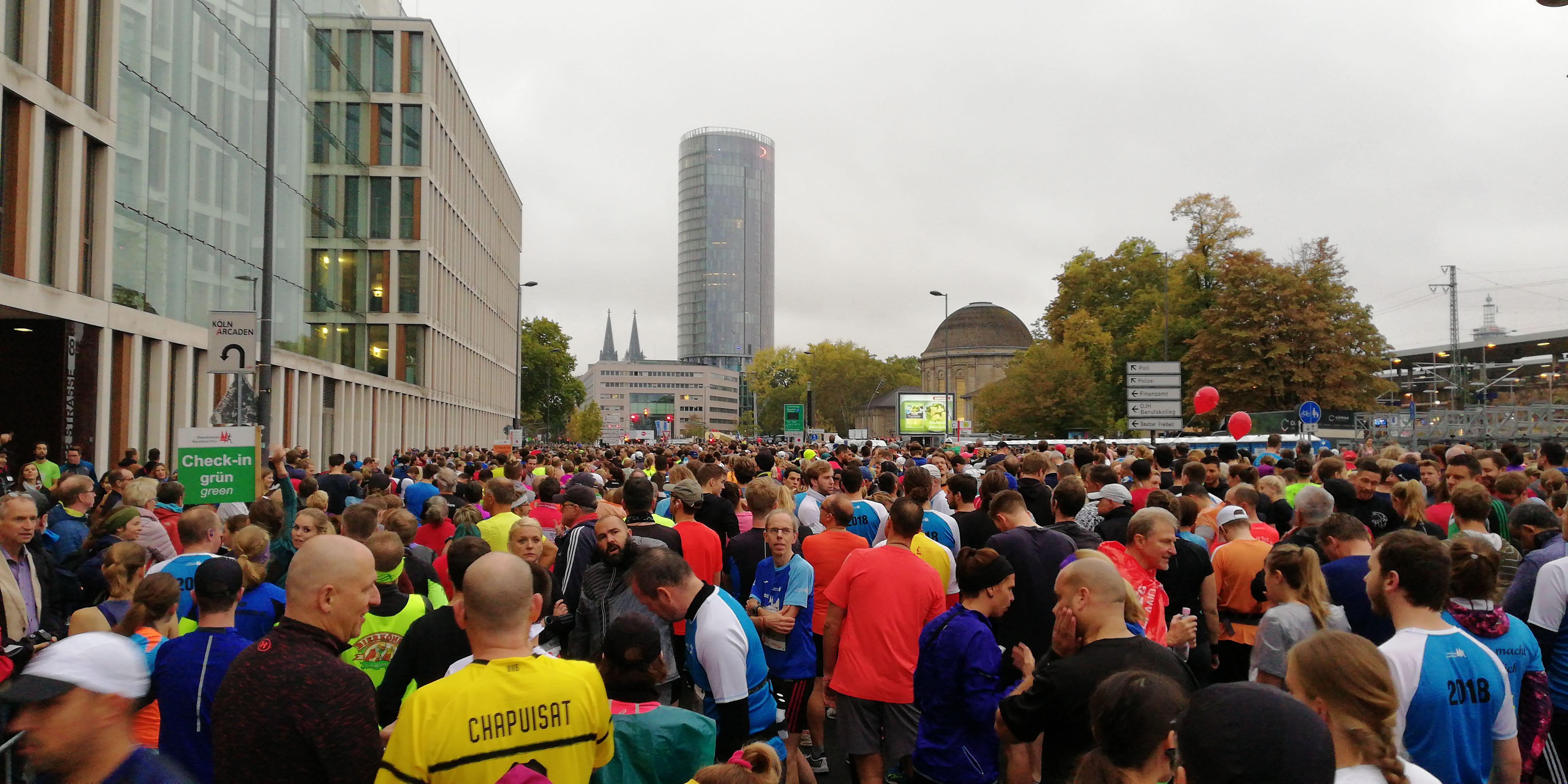 Startbereich Startblöcke Kölner Halbmarathon 2018